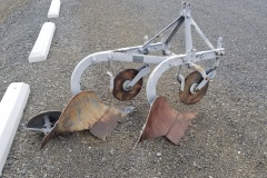 Fergusen 2 bottom 3 point plow